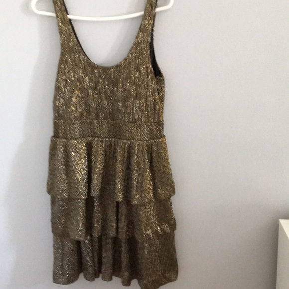 H&M Dresses & Skirts - Gold sleeveless dress